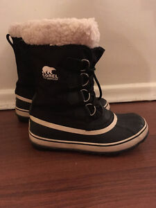 SOREL Boots - Womens size 6