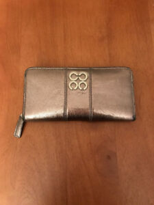 Pre-Owned Authentic Coach Accordian Style Wallet