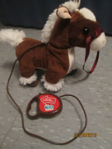 KID CONNECTION: WALKING AND SOUNDING BROWN HORSE TOY