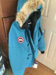Canada Goose, Size Medium and Blue (Women's) West Island Greater Montréal image 2