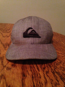 Quicksilver flexfit hat