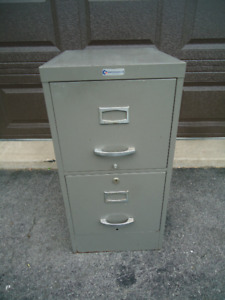 METAL FILING CABINET WITH LOCK