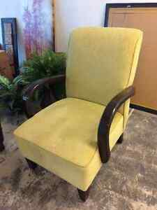 Nice Chair Available Belleville Belleville Area image 1