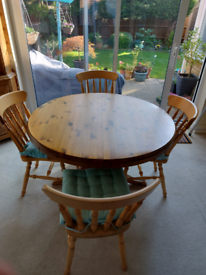 Extendable Ducal Dining Table and 4 chairs
