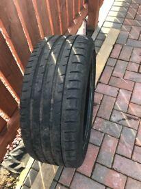 235/40/19 tyre