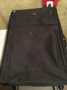"Jaguar 32"" Suitcase"