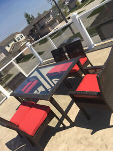 Patio set for sale ! 6 chairs, table and Umbrella !