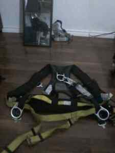 Padded fall arrest harness and lanyard  best offer have a lot