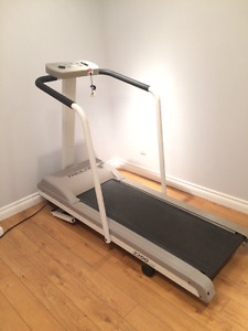 Treadmill in good condition with incline feature