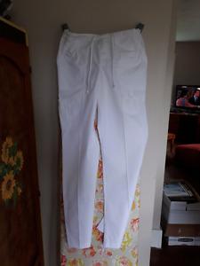 Costume de travail blanc pour femme