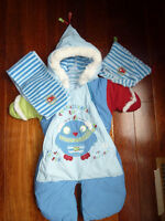snowsuit 3-6 month Souris mini