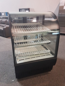 True Refrigerated Bow Front Bakery Display Cooler