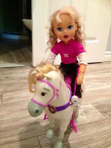 Cheval pour Barbie ou poupée / vient sans poupée pour 5$