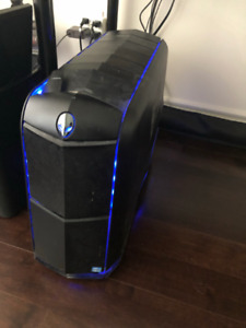 Alienware Aurora Gaming PC with i7-3820, GTX970 and Dell monitor