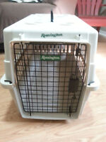REMINGTON Pet Carrier - Medium in good Condition