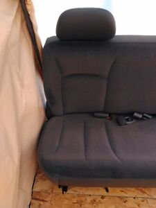2002 DODGE CARAVAN 2'ND ROW AND 3'RD ROW BENCHES Windsor Region Ontario image 8