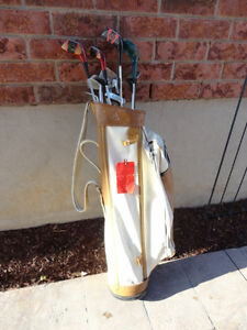 Set of Vintage 1960's Golf Clubs and Golf Bag (Woods and Irons) Kitchener / Waterloo Kitchener Area image 2