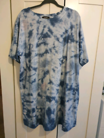 Misguided Maternity T-shirt dress size 18