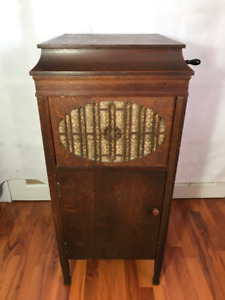 Antique working phonograph