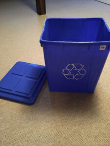 ORBIS Recycling bin with lid - NEW never used