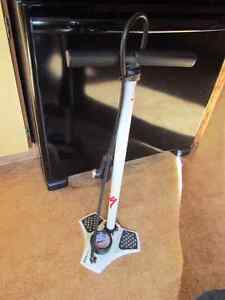 Air Tool - Bike Pump!!   Brand New, pumped 1 set of tires once