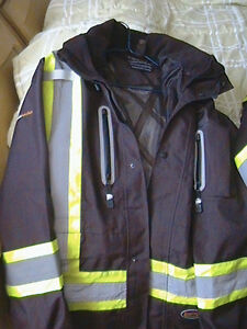 New 2 pieces winter work jackets worth $300.00