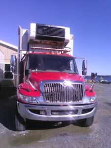 2009 international Dura Star, 22ft. refer box, truck is in reall