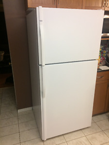 Price REDUCED $350.00 Kenmore Top-Mount Refridgerator