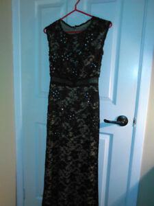 a vendre Belle robe pour mère de la marié  ou de soiré