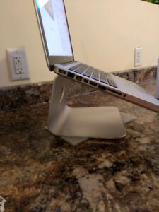 New laptop stand