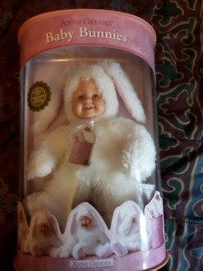 Anne Geddes bunny collectible toy