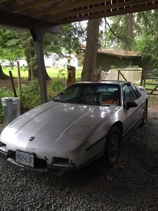 1986 Pontiac Fiero Sport SE Coupe (2 door)