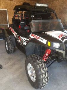 À Vendre  Polaris RZR XP 900 Walker Evans