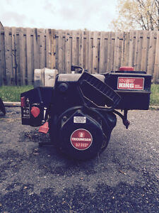 10 hp gas powered tecumseh engine. Makean offer.
