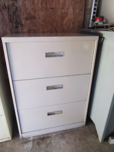3 Drawer metal cabinet $30