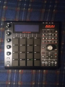 MPC Studio Black (+ MPC Software 2.0)