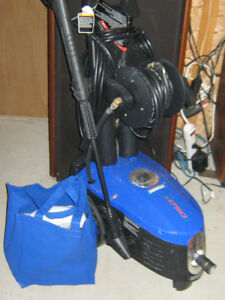 Pressure washer like new great for boat wash down and storage.