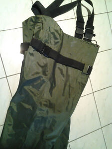 HUNTING/FISHING BUSHLITE CHEST WADERS SIZE 11 Windsor Region Ontario image 3