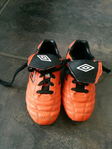Kid soccer shoes
