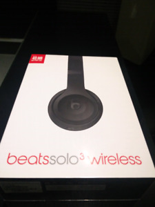 Brand new beats solo3 wireless (sealed)