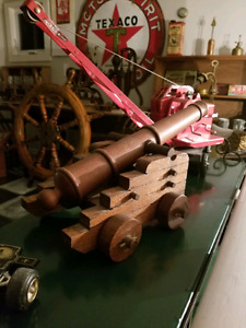 17in Wooden Cannon W/Carriage