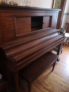 Antique Piano Free