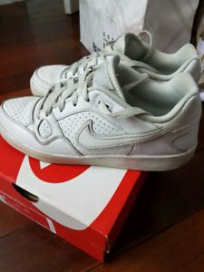 Nike sneakers shoes size 8