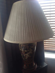 """24"""" lamps complete with shade / lampes avec abat-jour"""