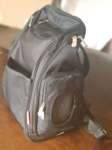 Deluxe backpack diaper bag /sac a couche (sac a dos)