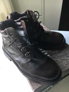 Mens Weekenders Brown Leather Boots US Size 10 (EU Size 42)