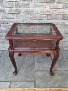 END TABLE CURIO DISPLAY CABINET