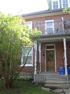 1 BDRM, MAIN FLOOR ON WATERFORD