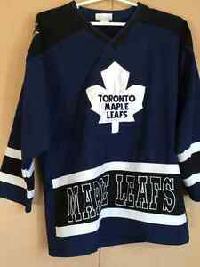 Toronto Maple Leafs Jersey size 10-12