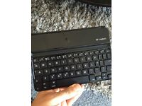 Logitech iPad Mini Bluetooth Keyboard/stand/cover